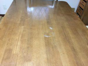 福岡県太宰府市でコップ痕のついたダイニングテーブルを再塗装