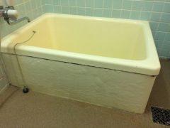 福岡市南区でひびが入った浴槽を再塗装【浴槽リペア!エコアール】