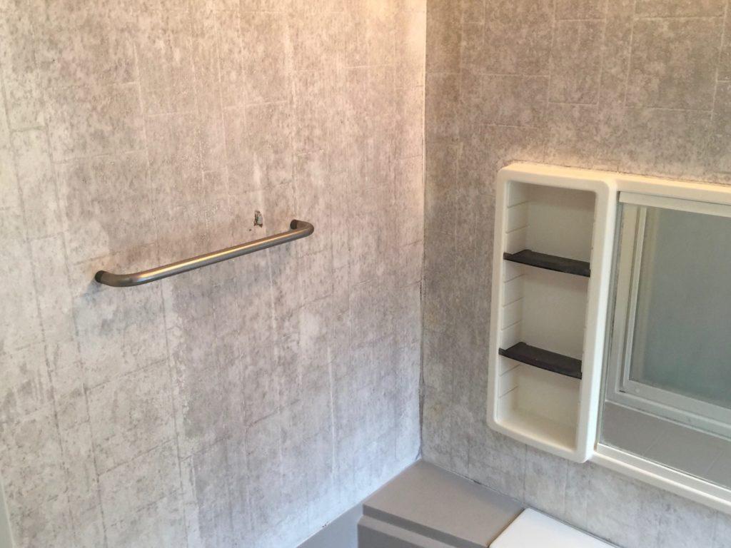 長崎市で古い浴室壁をパネル貼りで新品の様に!【Dr.直し屋福岡博多店】