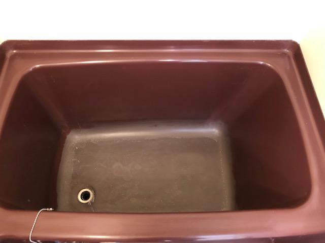 福岡市博多区で変色した浴槽の再塗装